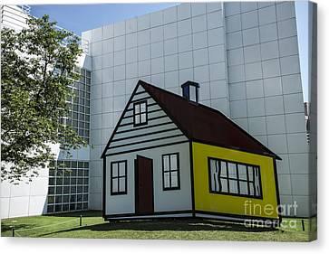 Lichtenstein At High Museum - Atlanta Canvas Print by David Bearden