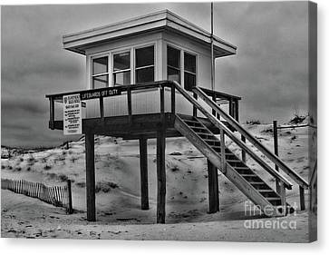 Lifeguard Station 2 In Black And White Canvas Print by Paul Ward