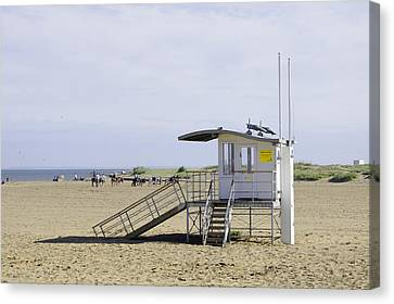 Lifeguard Station At Skegness Canvas Print by Rod Johnson