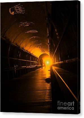 Light At The End Of The Tunnel Canvas Print by Yali Shi
