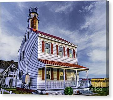 Lighthouse At Fenwick Island Canvas Print by Nick Zelinsky