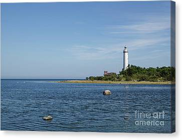 Canvas Print featuring the photograph Lighthouse In The Baltic Sea by Kennerth and Birgitta Kullman