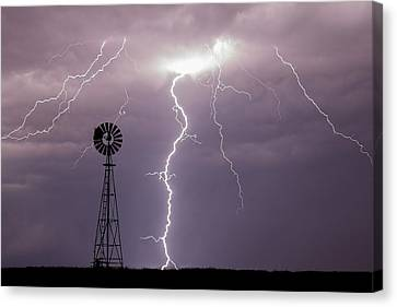 Lightning And Windmill -02 Canvas Print by Rob Graham