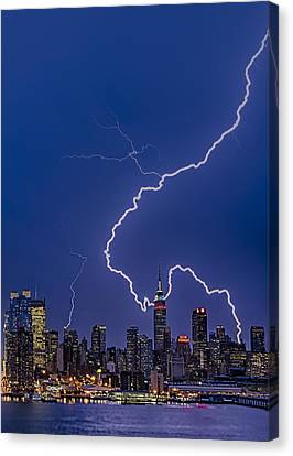 Lightning Bolts Over New York City Canvas Print by Susan Candelario
