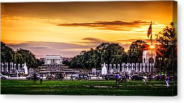 Lincoln Memorial At Sunset  Canvas Print