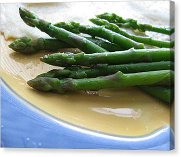 Canvas Print featuring the photograph Lindie Bistro Asparagus Spears by Lindie Racz