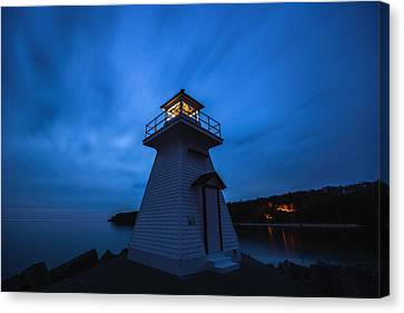 Lions Head Lighthouse Canvas Print by Cale Best