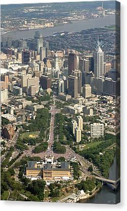 Live 8 Concert Philadelphia Ben Franklin Parkway 2 Canvas Print by Duncan Pearson