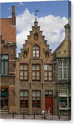 Living In 1676 Canvas Print