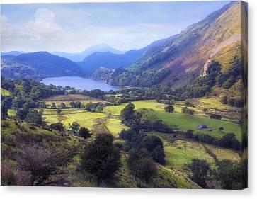 Llyn Gwynant - Wales Canvas Print