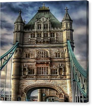 Canvas Print featuring the photograph London Bridge by Digital Art Cafe