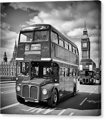 London Classical Streetscene Canvas Print