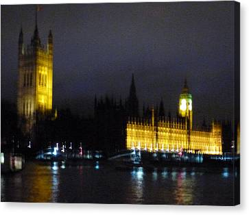 Canvas Print featuring the photograph London Late Night by Christin Brodie