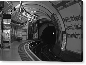 Subway Canvas Print - London Underground by Carmen Hooven