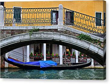 Lone Gondola Canvas Print by Frozen in Time Fine Art Photography