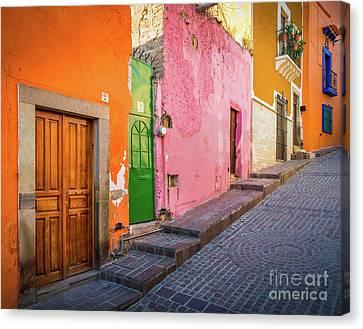 Los Colores De Guanajuato Canvas Print by Inge Johnsson