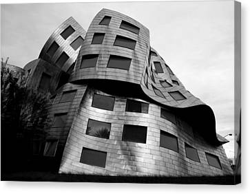Canvas Print featuring the photograph Lou Ruvo Center Las Vegas Side View Black And White by Matt Harang
