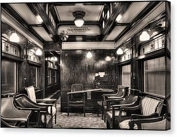 Lounge In A Restored Private Rail Car Canvas Print by Roger Passman