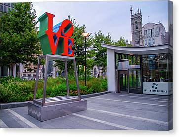 Canvas Print featuring the photograph Love At Dilworth Plaza - Philadelphia by Bill Cannon