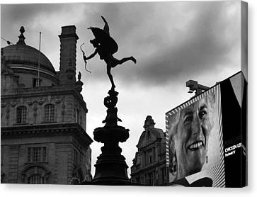 Love In The City Canvas Print by Jez C Self