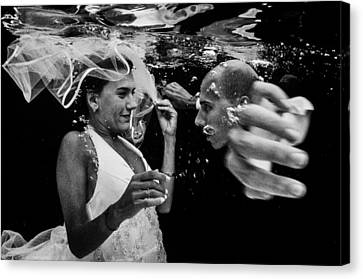 Love Is In The Water Canvas Print by Adolfo Maciocco