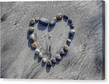 Love On The Rocks Canvas Print by Jane Linders