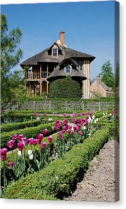 Canvas Print featuring the photograph Lovely Garden And Cottage by Jennifer Ancker