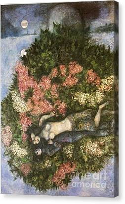 Lovers In The Lilacs Canvas Print by Marc Chagall