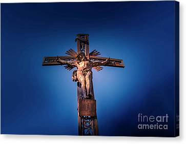 Low Angle View Of Jesus Christ Statue Canvas Print