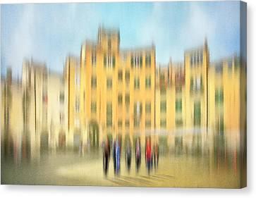 Lucca Ampitheatre Impression 2 Canvas Print
