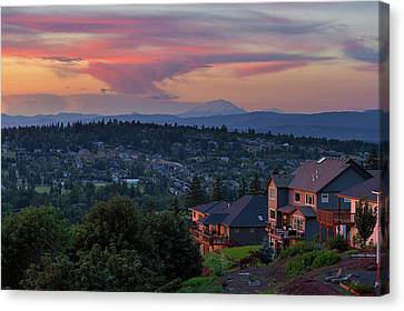 Luxury Homes In Happy Valley Oregon Canvas Print by David Gn