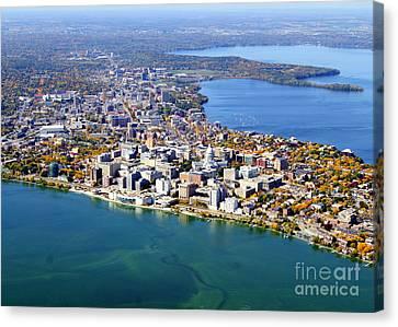 M-044 Madison Wisconsin Fall Monona Terrace Capitol West To Uw Canvas Print