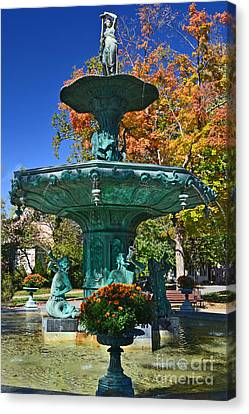 Madison Water Fountain In Fall Canvas Print by Amy Lucid