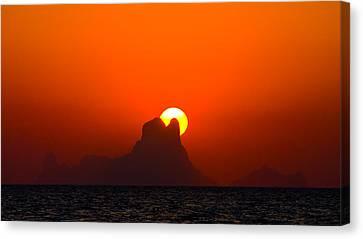 Magic Sunset Canvas Print by Thomas Splietker