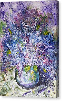 Magnificent Lilac Bouquet Canvas Print