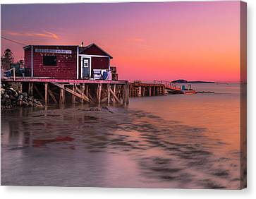Canvas Print featuring the photograph Maine Coastal Sunset At Dicks Lobsters - Crabs Shack by Ranjay Mitra
