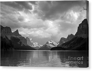 Maligne Lake Canvas Print