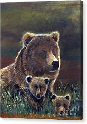 Canvas Print featuring the painting Mammas Warmth by Leslie Allen