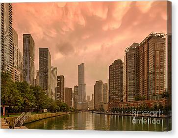 Mammatus Cloud Action Over Chicago River - Chicago Illinois Canvas Print by Silvio Ligutti