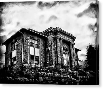 Manayunk Branch Of The Free Library Of Philadelphia Canvas Print by Bill Cannon
