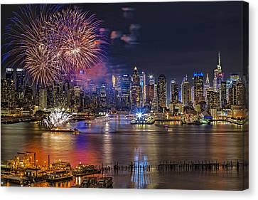 Manhattan Nyc Summer Fireworks Canvas Print by Susan Candelario