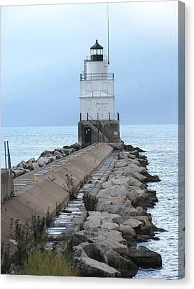Manitowoc Breakwater Lighthouse  Canvas Print by Keith Stokes
