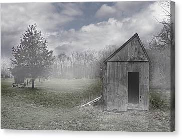 Manor Road Farm Canvas Print by Tom Romeo