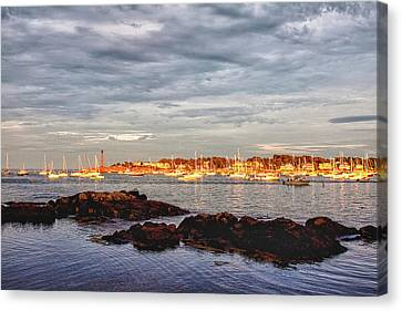 Canvas Print featuring the photograph Marblehead Neck From Fort Beach by Jeff Folger