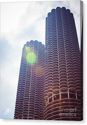 Marina City Towers In The Sun Canvas Print