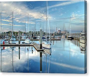 Canvas Print featuring the photograph Marina Sunrise by Farol Tomson