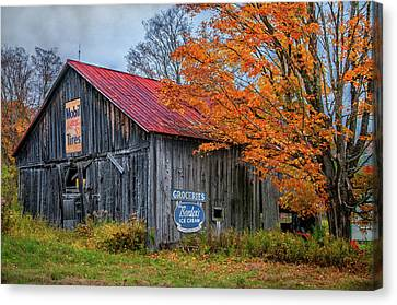 Marlboro Country - Vermont Barn Art Canvas Print