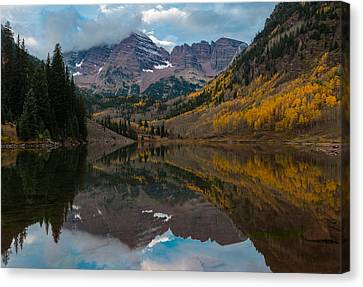 Maroon Bells Canvas Print by Gary Lengyel