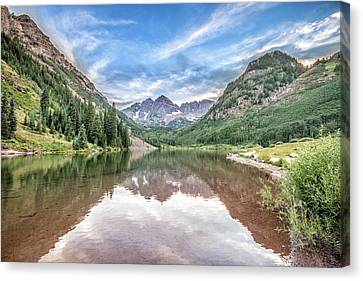 Maroon Bells Near Aspen, Colorado Canvas Print
