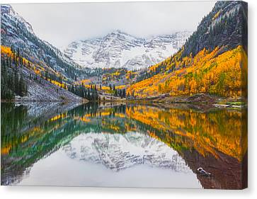 Maroon Bells Seasonal Clash Canvas Print by Darren White